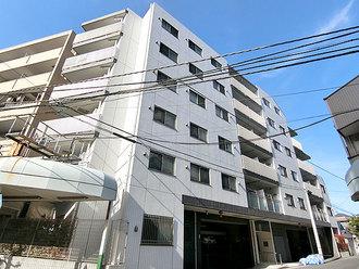 センチュリー横濱鶴見の外観