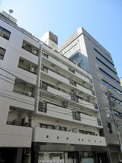 ライオンズマンション新富町第弐の外観