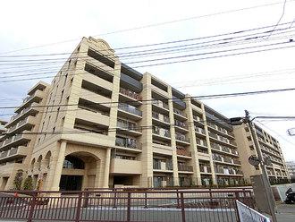 ヴェレーナ東戸塚の外観