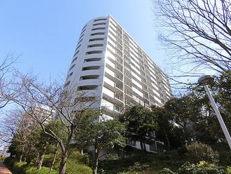 ニューシティ東戸塚パークヒルズH棟の外観