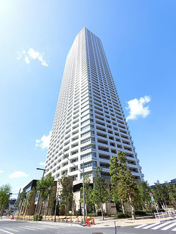 ザ・パークハウス西新宿タワー60の外観