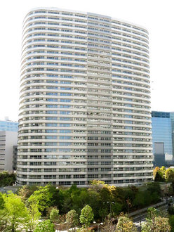 M.M.TOWERS FORESISの外観