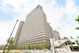 武蔵浦和SKY&GARDENC棟の外観