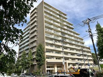 BELISTA高井戸駅前の外観