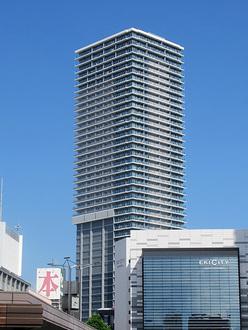 グランクロスタワー広島の外観