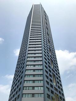 センターマークスタワーの外観