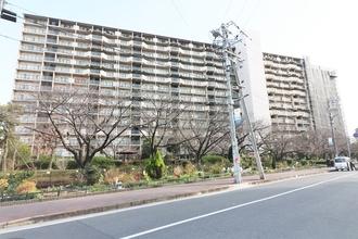京橋グリーンハイツの外観