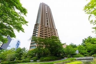 グランフロント大阪オーナーズタワーの外観