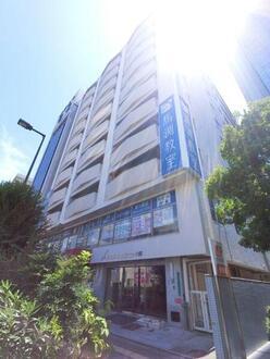グランドマンションニュー大阪の外観