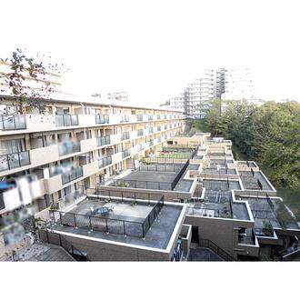 ファミールヒルズ港南台弐番館の外観