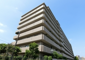 ライオンズマンション上野芝ガーデンシティの外観