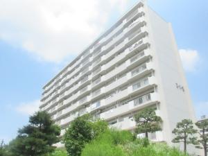 永山ハイツ5号棟の外観