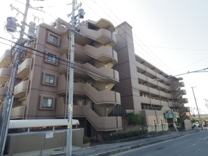 ライオンズマンション東郷西館の外観