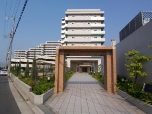 ライオンズマンション鴻池新田の外観