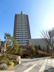 プラウドタワー千代田富士見レジデンスの外観