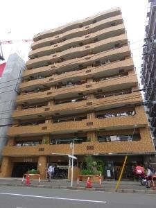 新横浜サニーコートの外観