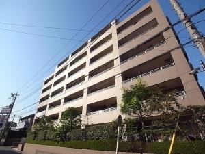 ライオンズマンション武蔵新城中央公園の外観