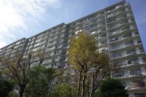 パークシティ金沢八景E棟の外観