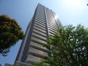 ライオンズマンションコスタ・タワー浦和の外観