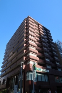 サンパレス新宿の外観