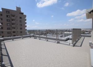ローレルスクエア蟹江本町ウエストウィングの外観