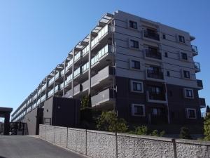 レーベンリヴァーレ横濱鶴ヶ峰ヒルズの外観