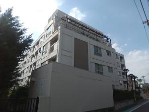 狛江コーポラスの外観