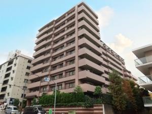 クリオ新宿戸山壱番館の外観