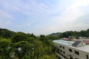 大倉山パークハイツの外観