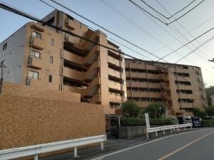 ライオンズマンション羽沢町の外観