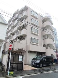 横浜阪東橋ガーデンハウスの外観