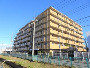 ライオンズマンション武蔵浦和の外観