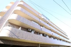 ライオンズマンション西新井本町第2の外観