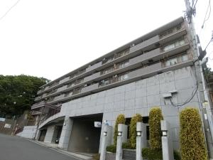 コスモ横浜和田町ヒルズの外観