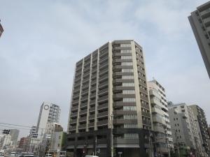 ライオンズ東京根岸グランフォートの外観