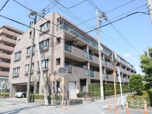 コスモ戸田ピアハイツの外観