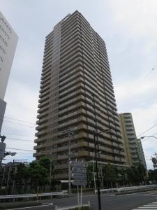 東京アルバタワーの外観