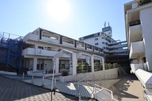 横浜ダイカンプラザスポーツメントの外観