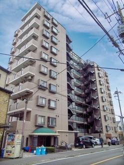 ライオンズマンション浦和・県庁前の外観