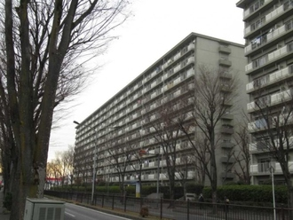 新松戸中央パークハウスD棟の外観