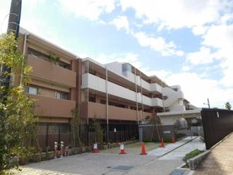 ヒルトップ横浜山手レジデンス フォレスト棟の外観