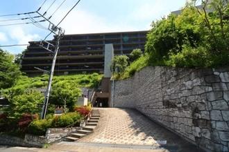 アデニウム鎌倉山の外観
