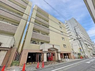 デュオ・スカーラ新宿の外観