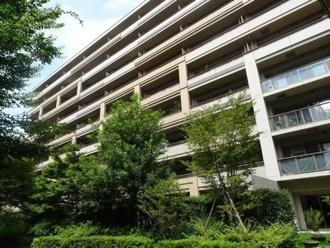 パークシティ武蔵野桜堤フォレストハウスC棟の外観