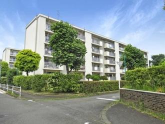 多摩川住宅ハ-9号棟の外観