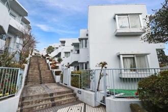 百合ヶ丘ガーデンハウスの外観