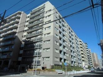 クレッセント新横浜ツインズイーストの外観