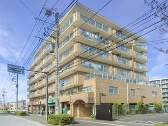 新横浜ハイツの外観