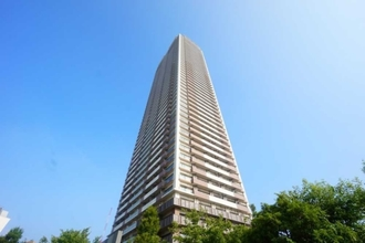プラウドタワー東雲キャナルコートの外観