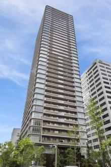 プレミストタワー大阪新町ローレルコートの外観